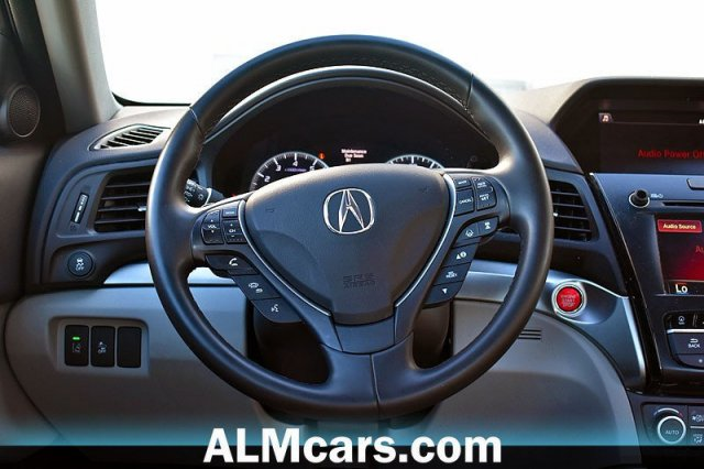 Pre-Owned 2018 Acura ILX w/Tech