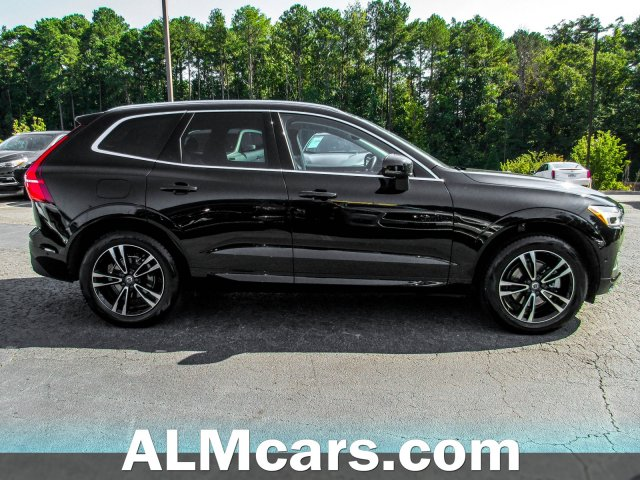 Pre-Owned 2019 Volvo XC60 Momentum