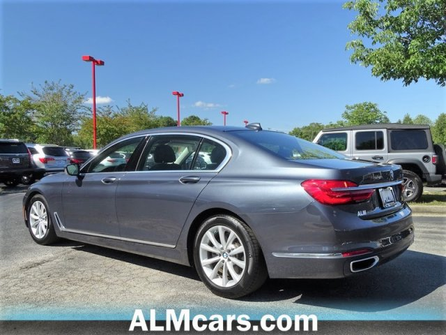 Pre-Owned 2018 BMW 7 Series 740i